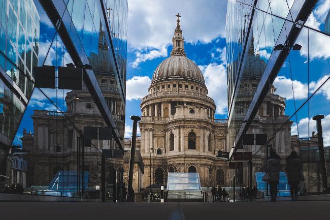 London: Macfarlanes' partners break £2m pay barrier
